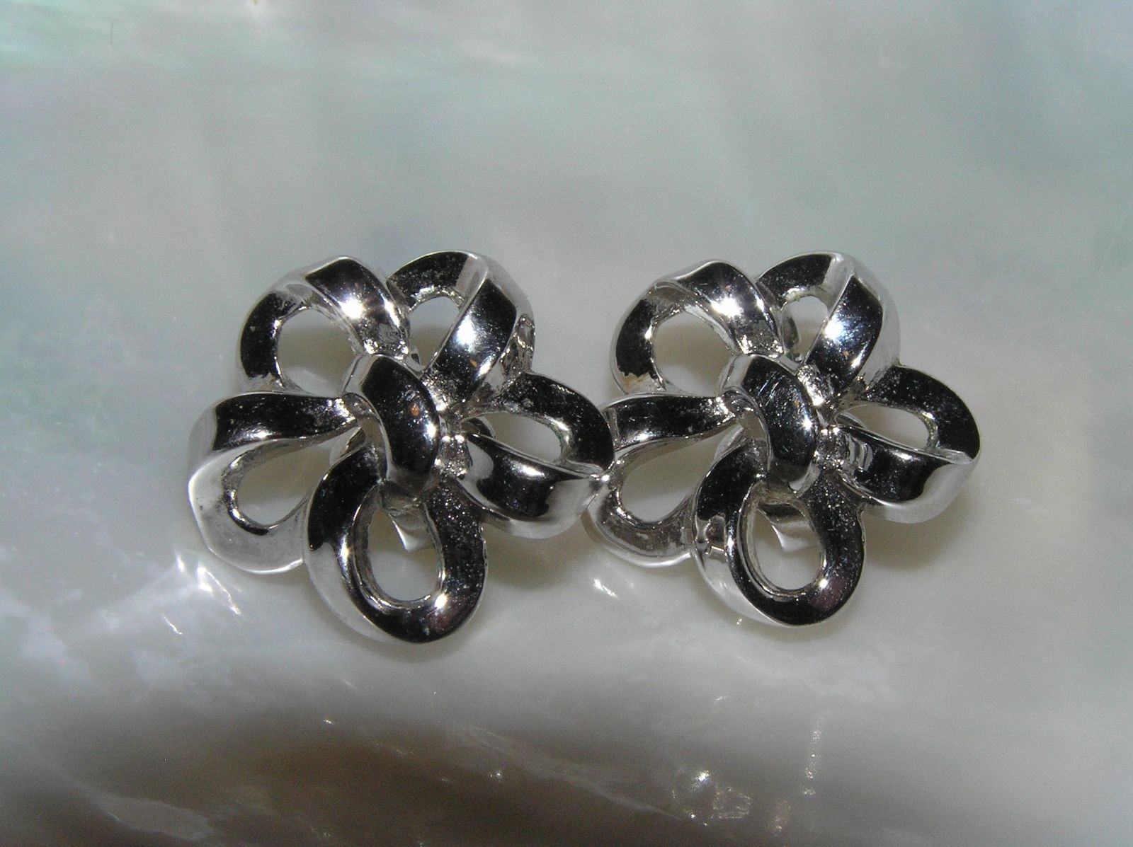 Primary image for Vintage Trifari Signed Silvertone Ribbon Bow Clip Earrings – marked on back of