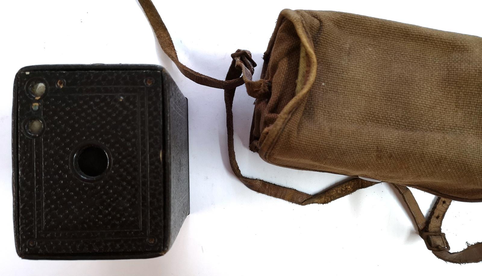 Kodak Eastman: Brownie No.2A Model B (Canada), with Bag  - Camera (2) - $10.00