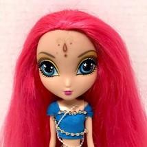 Spin Master Ltd. 2010 La Dee Da as Bollywood Bright Runway Vacay Doll - $10.95