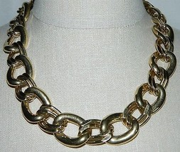 "VTG NAPIER Signed PAT. 4.774.743 Gold Tone Necklace Choker 20.5"" in Length - $39.60"