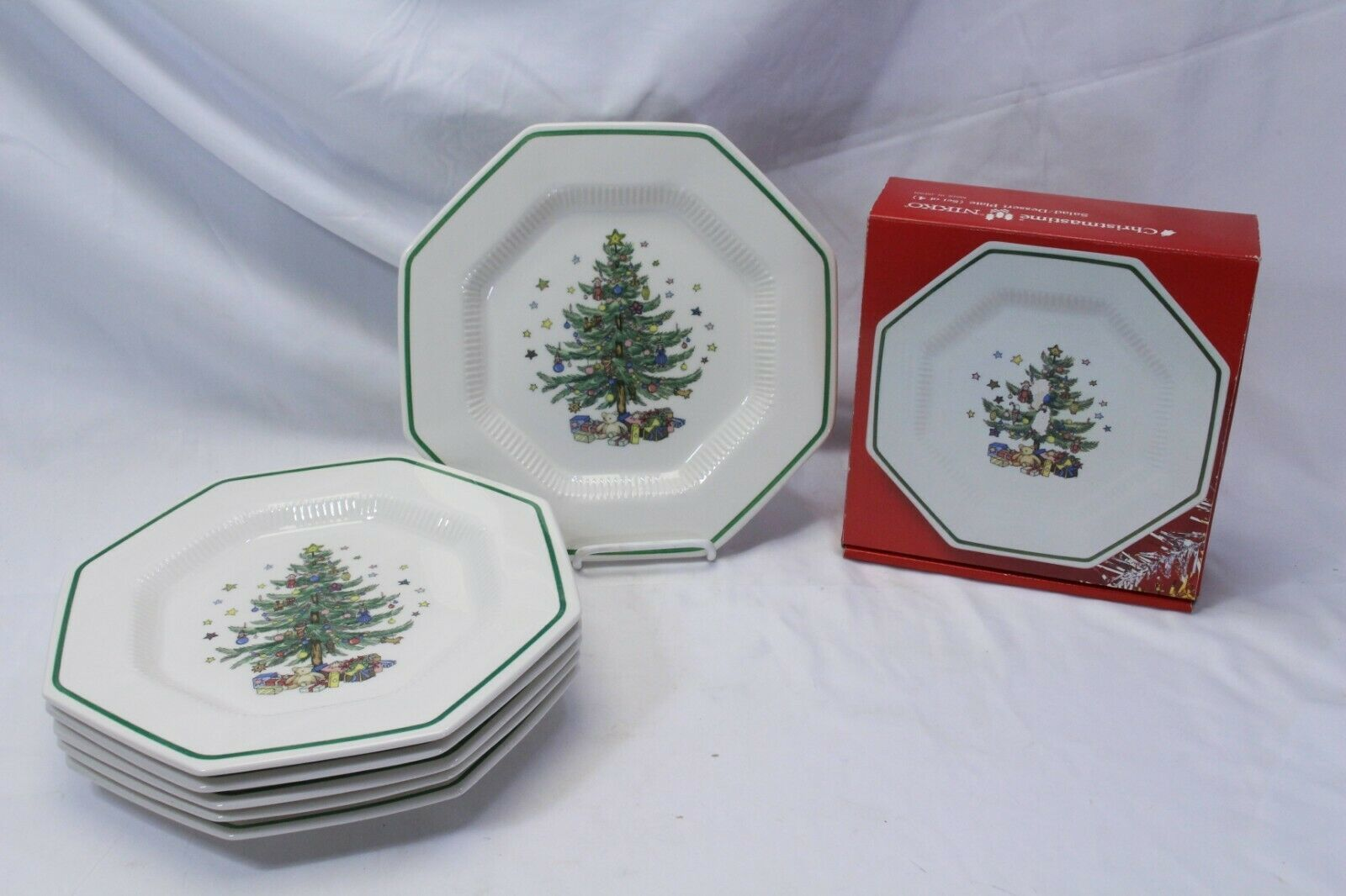 Nikko Christmastime 6 Dinner Plates 4 Salad Plates Lot of 10