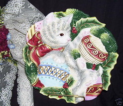 CAT PLATE WITH HOLLY AND BERRIES LARGE CHRISTMAS PLATE BY Fitz & Floyd - $32.81