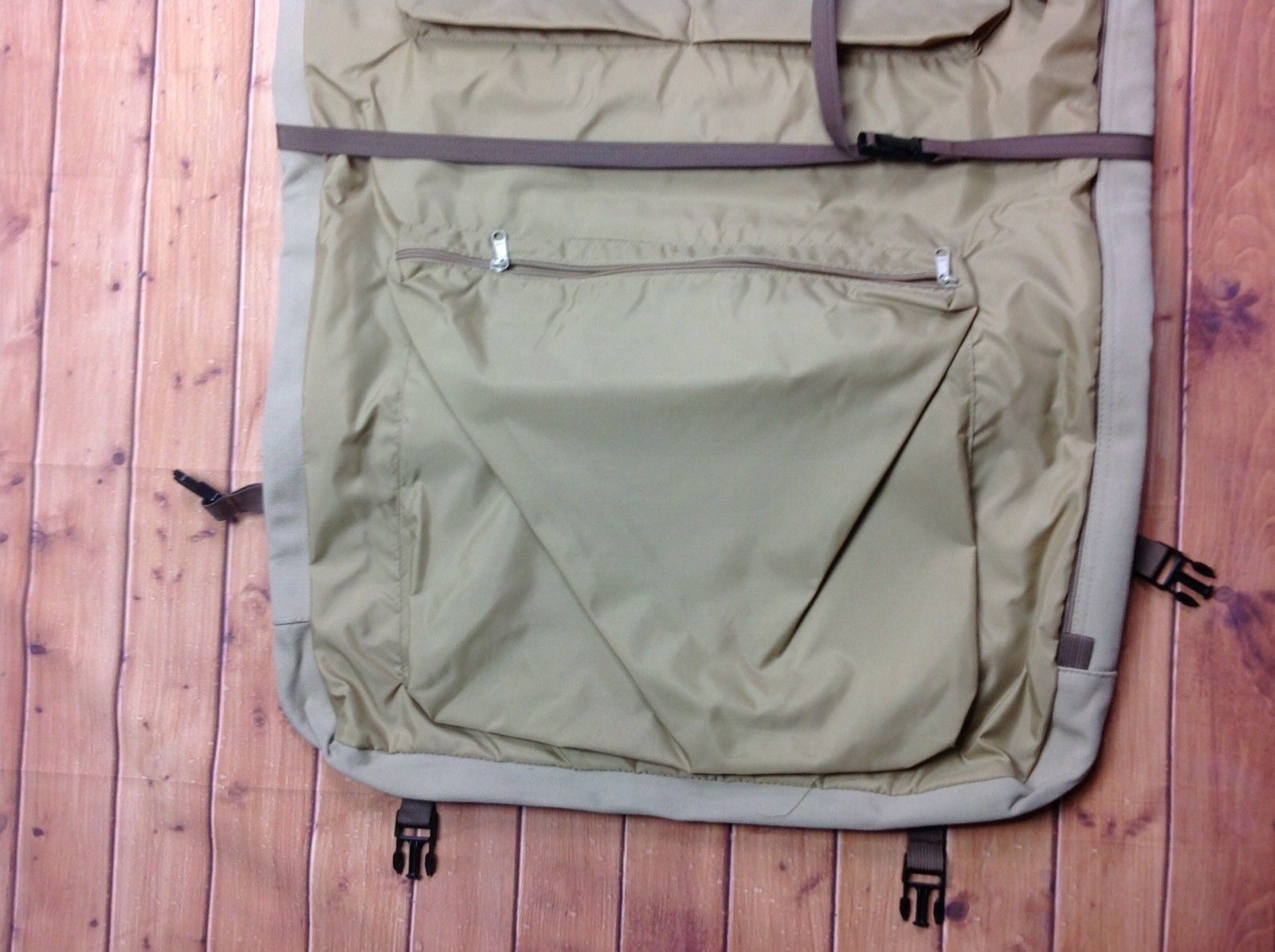 d95906a8ce Eddie Bauer Ford Tan Canvas Folding Hanging Suit Garment Bag Dress Luggage  Beige