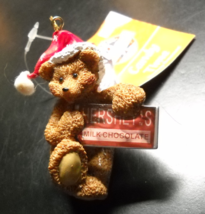 Toys R Us Christmas Ornament 2000 North Pole Bear Hershey Bar With Retail Tag - $6.99