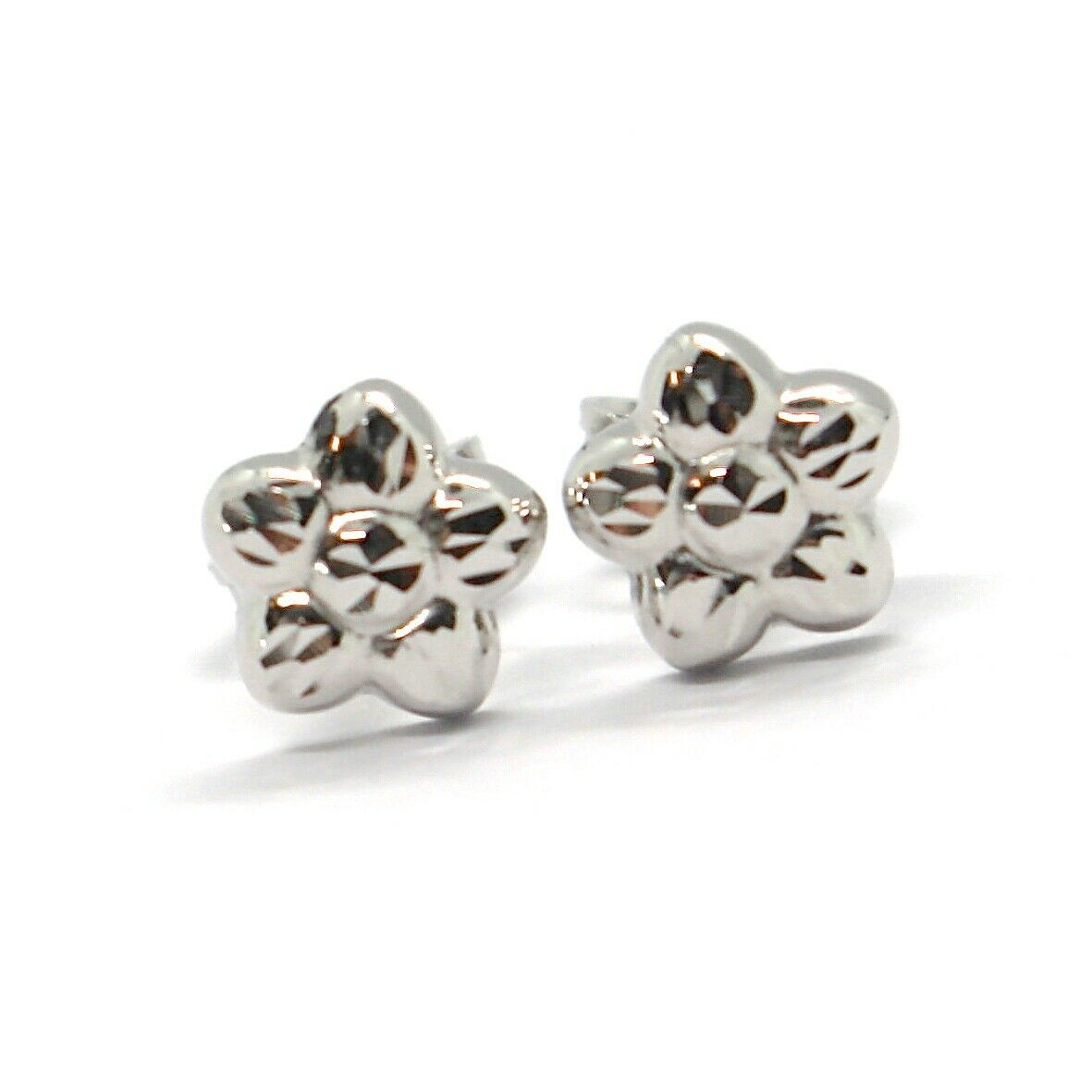 18K WHITE GOLD KIDS EARRINGS, FINELY HAMMERED MINI FLOWER DAISY, 0.28 INCHES