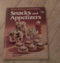 SNACKS AND APPETIZERS COOKBOOK BY BETTER HOMES AND GARDENS 1974 - $5.29
