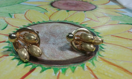 "Vintage Jewelry:; 3/4"" Gold Tone Clip On Earrings  170815 - $8.99"