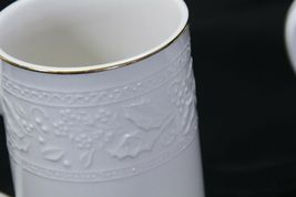 """Libbey White Embossed Holly Cups Mugs Xmas Gold Trim 4.25"""" Lot of 8 image 9"""