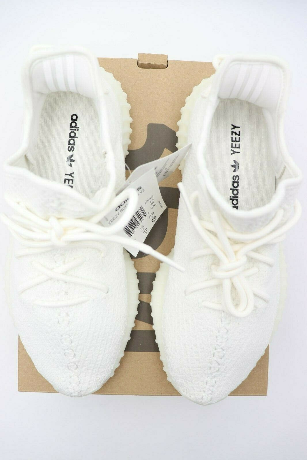 Neu in Box Adidas Yeezy Boost 350 V2 Triple Weiß Neu Größe 8 image 3