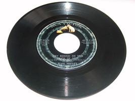 45 RPM Elvis Presley Demasiado Much Of You , Roto Corazón Rca Victor Record - $8.26