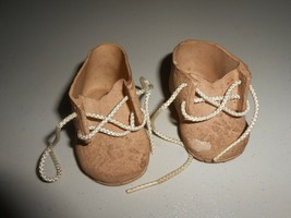 Vintage Pair of Dolshoe Rubber Doll Shoes 22-24 Doll Tan in Color - $6.93
