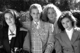 Heathers Winona Ryder Shannen Doherty 18x24 Poster - $23.99