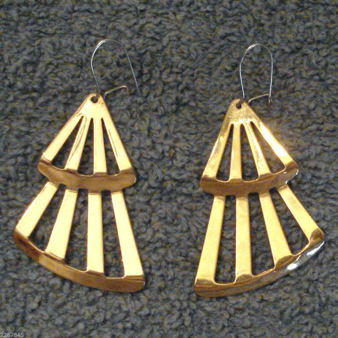 Avon Fashion Fan Dangle Earrings Pierced Kidney Wires Gold Plated VTG 1980's  - $19.76