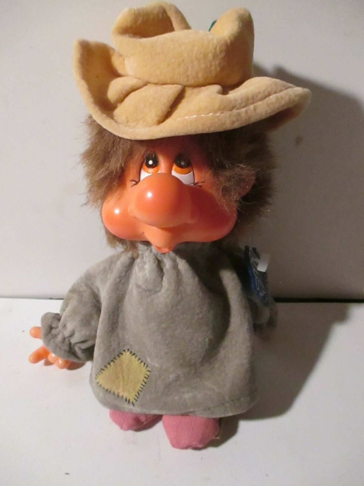 """Vintage APPLAUSE 1982 """"WADSWORTH HOBO"""" DOLL / Ornament"""