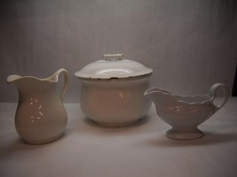 Vintage Ceramic Serving Pot Homer Laughlin Gravy Boat Medium Pitcher Mcnicol - $39.59