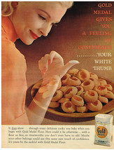 Vintage 1968 Magazine Ad For Gold Medal Flour Your White Thumb In Baking - $5.93