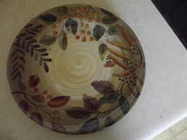 Home Trends Shadowwood dinner plate 1 available - $6.44