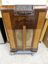 Vintage Depression Era RCA Model 98K Console Radio - $247.49