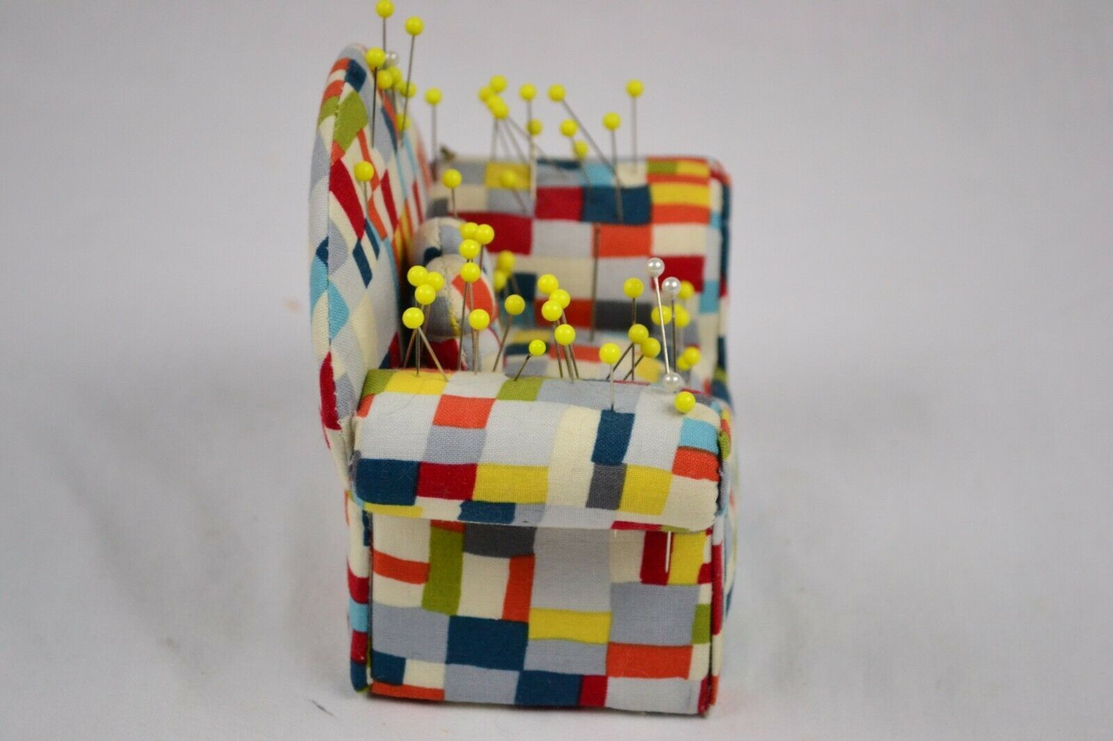 Couch Pin Cushion With Pins, Cute image 2