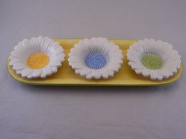 Yankee Candle Exclusive Daisy Tealight Holders Set Of 3 on Tray - $24.00