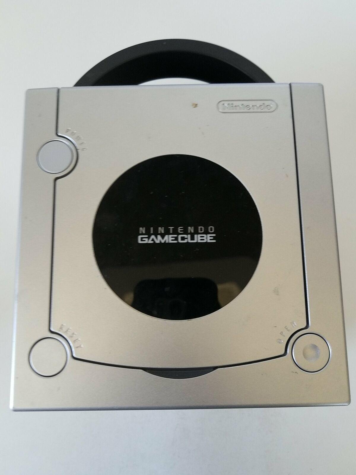 Nintendo GameCube Ltd.Ed. Platinum Console in Box. DOL-101