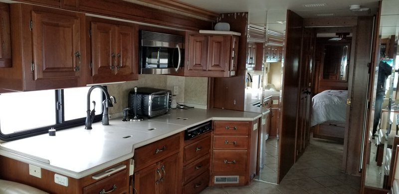 Primary image for 2005 American Coach American Tradition 40L For Sale In Chagrin Falls, OH 44023