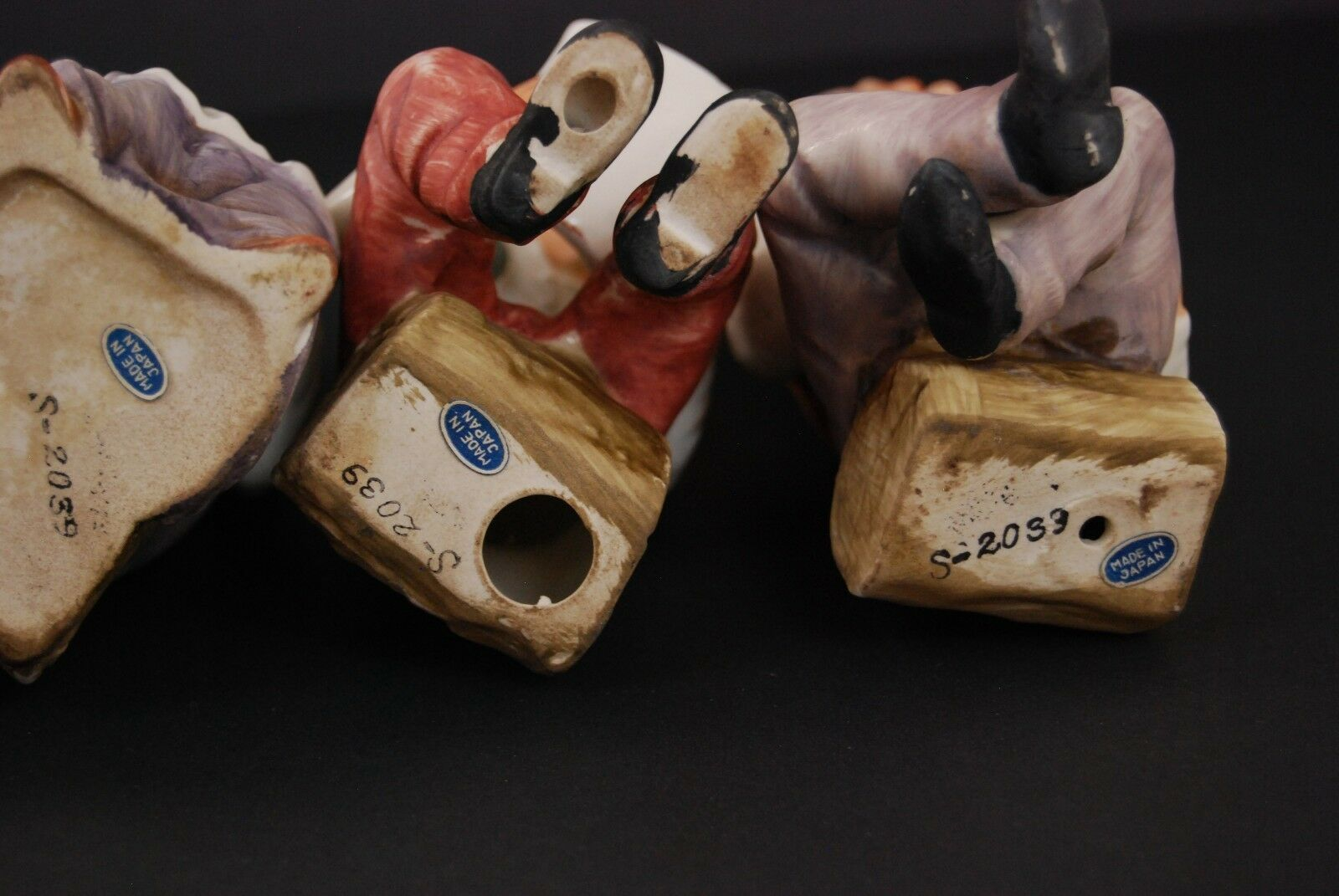 Vintage Collectible Figurines ~ set 4 Sitting on Logs S2039 ~ Japan