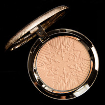 MAC Holiday Snow Ball Impalpable Glare Powder in Happy Go Dazzlingly - NIB - $34.98