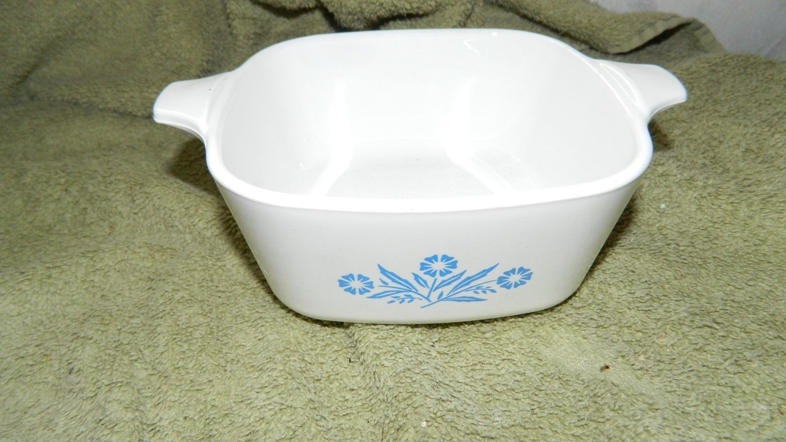 Primary image for CORNING WARE P-43-B BLUE CORNFLOWER CASSEROLE DISH + LID 22 OUNCE FREE US SHIP