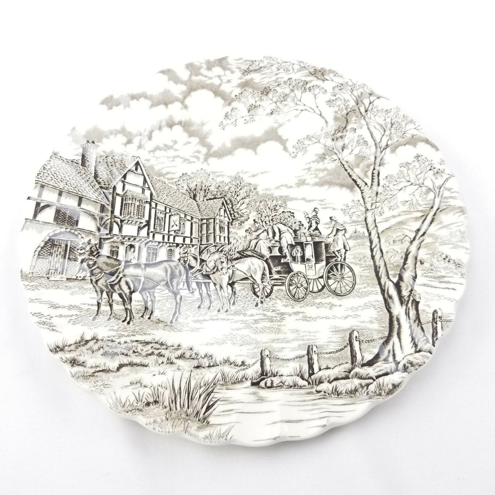 Royal Mail Fine Staffordshire Ironstone Made in England 10 Inch Dinner Plate - $10.50