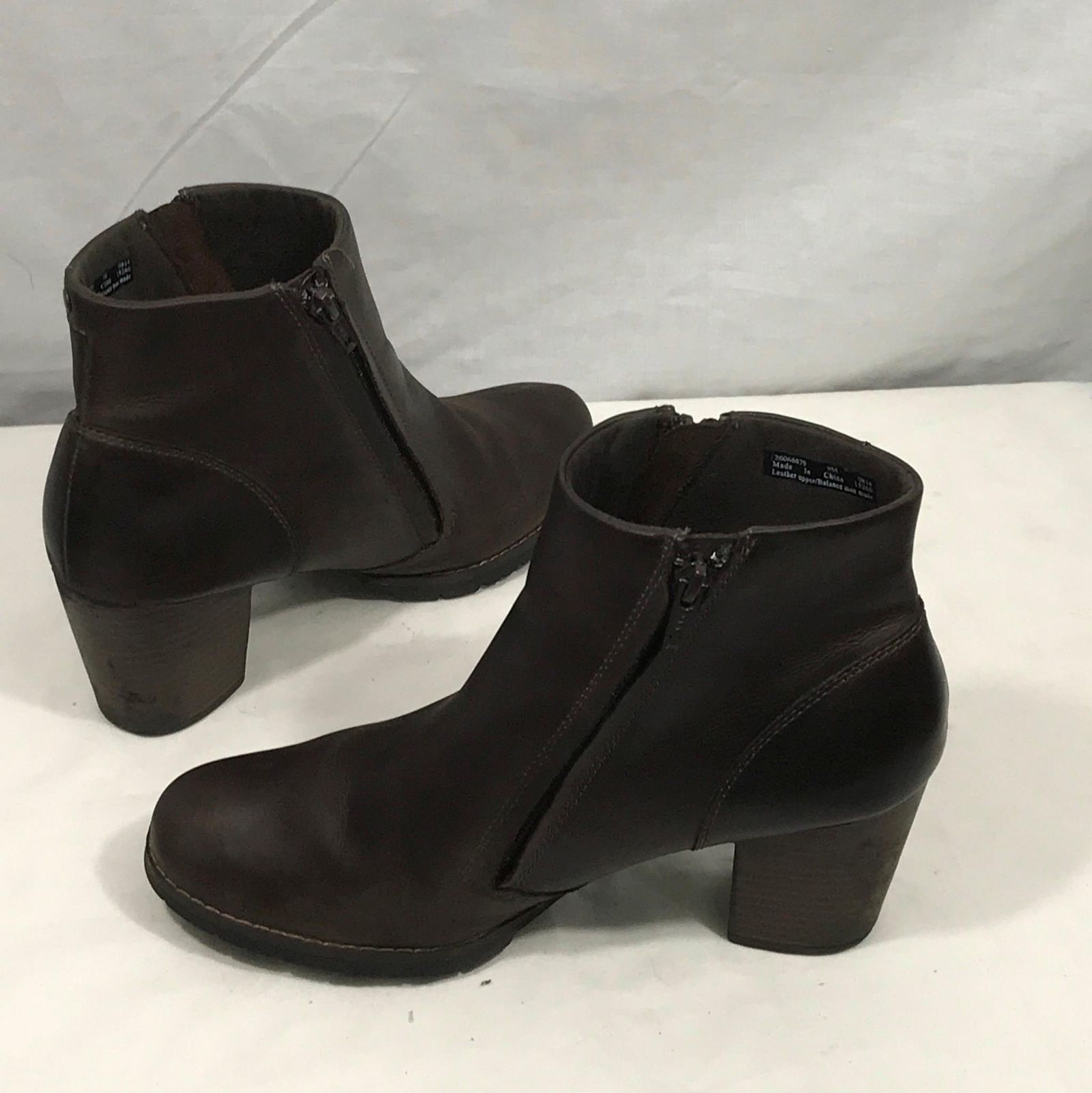 Clarks Brown Leather Chunky Heel Zip Ankle Boots 9M