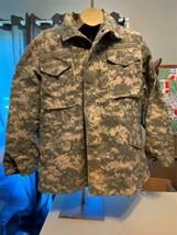 Us Army Coat Field Jacket Cold Weather Universal Pattern Camo Digital Med Reg. - $29.69