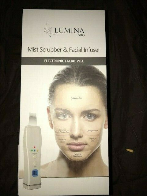 LuminaNRG Ultrasonic Exfoliating Deep Pore Scrubber with Mist