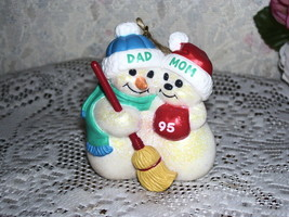 HALLMARK ORNAMENT DAD & MOM SNOWMAN COUPLE 1995 LOOSE NO BOX - $16.82