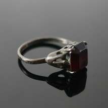 Vintage 925 Sterling Silver Signed SARAH COV Ruby Red Solitaire Size 7.5... - $22.49