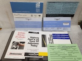 2005 Town Country Owners Manual Set w/ Case 19283 - $17.81