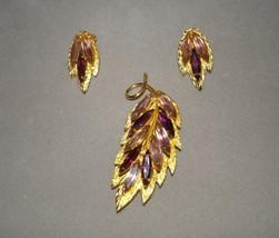 Goldtone Leaf Brooch Clip On Earrings Set Purple Stones - €41,60 EUR