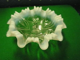 DUGAN Glass 3 Footed Opalescent BOWL Hearts & Clubs........................ - $27.72