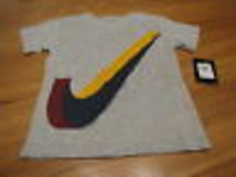 Boy's Nike BIG logo t shirt 6 grey t shirt NEW NWT TEE swoosh - $11.77