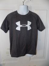 Under Armour Gray Heat Gear Loose Fit Short Sleeve T-Shirt Size 5 Boy's EUC - $14.40