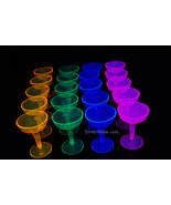 Asst-blacklight-champagne-glasses3_thumbtall