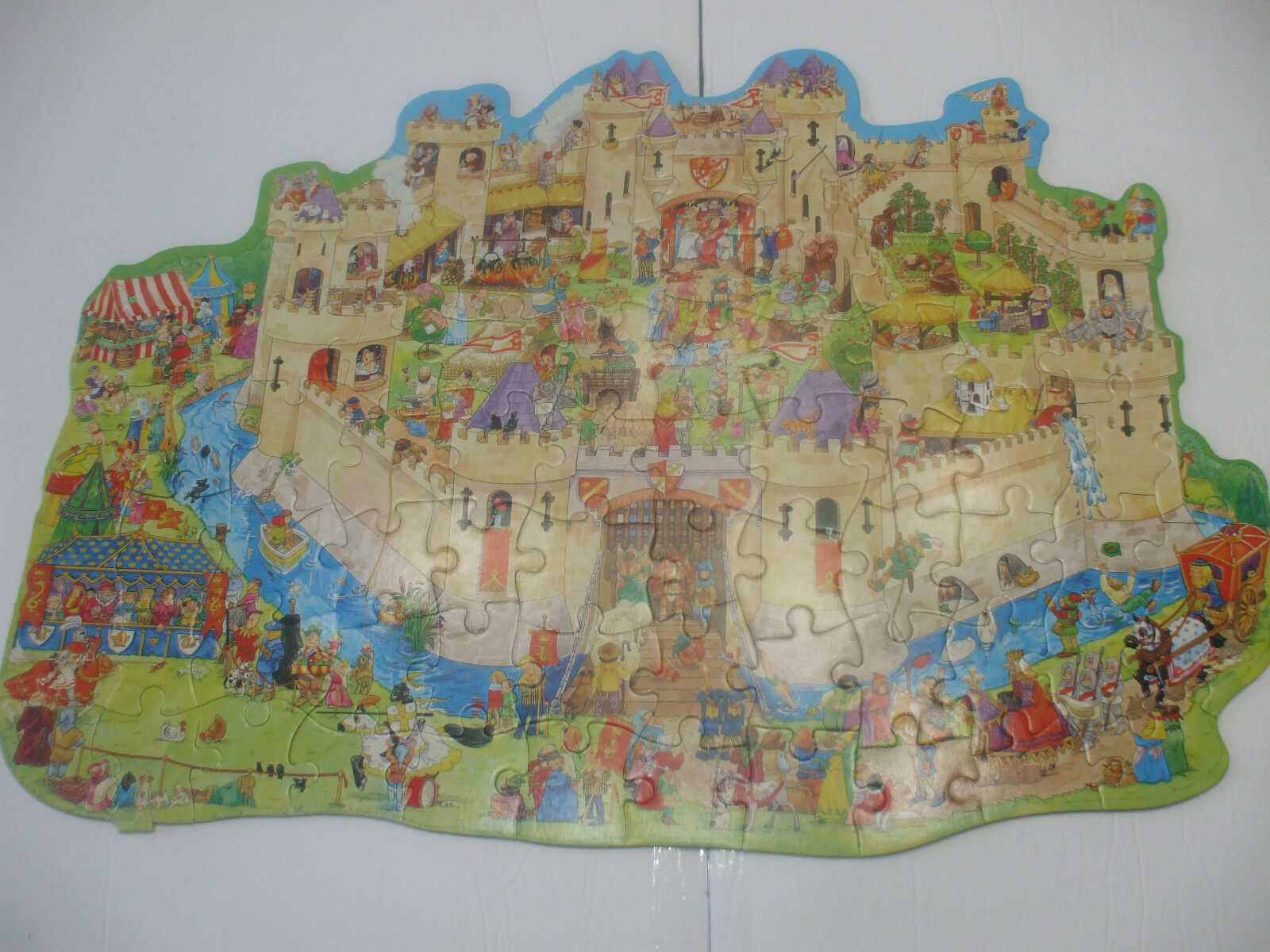 Castle Shaped Jigsaw Puzzle 80 pieces  Ages 6+