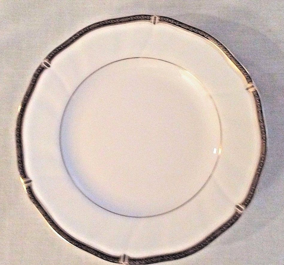 PAIR Wedgwood Windsor Black Dinner Plates 10.75 inch diameter Mint & PAIR Wedgwood Windsor Black Dinner Plates and 50 similar items