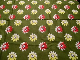 Green & White DAISY Floral Print 100% Cotton Quilt Crafting Fabric Tradi... - $5.93