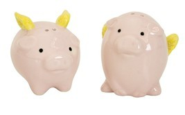 Boston Warehouse Pigs Flying Salt and Pepper Shaker Set PIG - $12.86