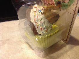 Cupcake gift box with choice of Exotic or Safari African animal  on lid image 8