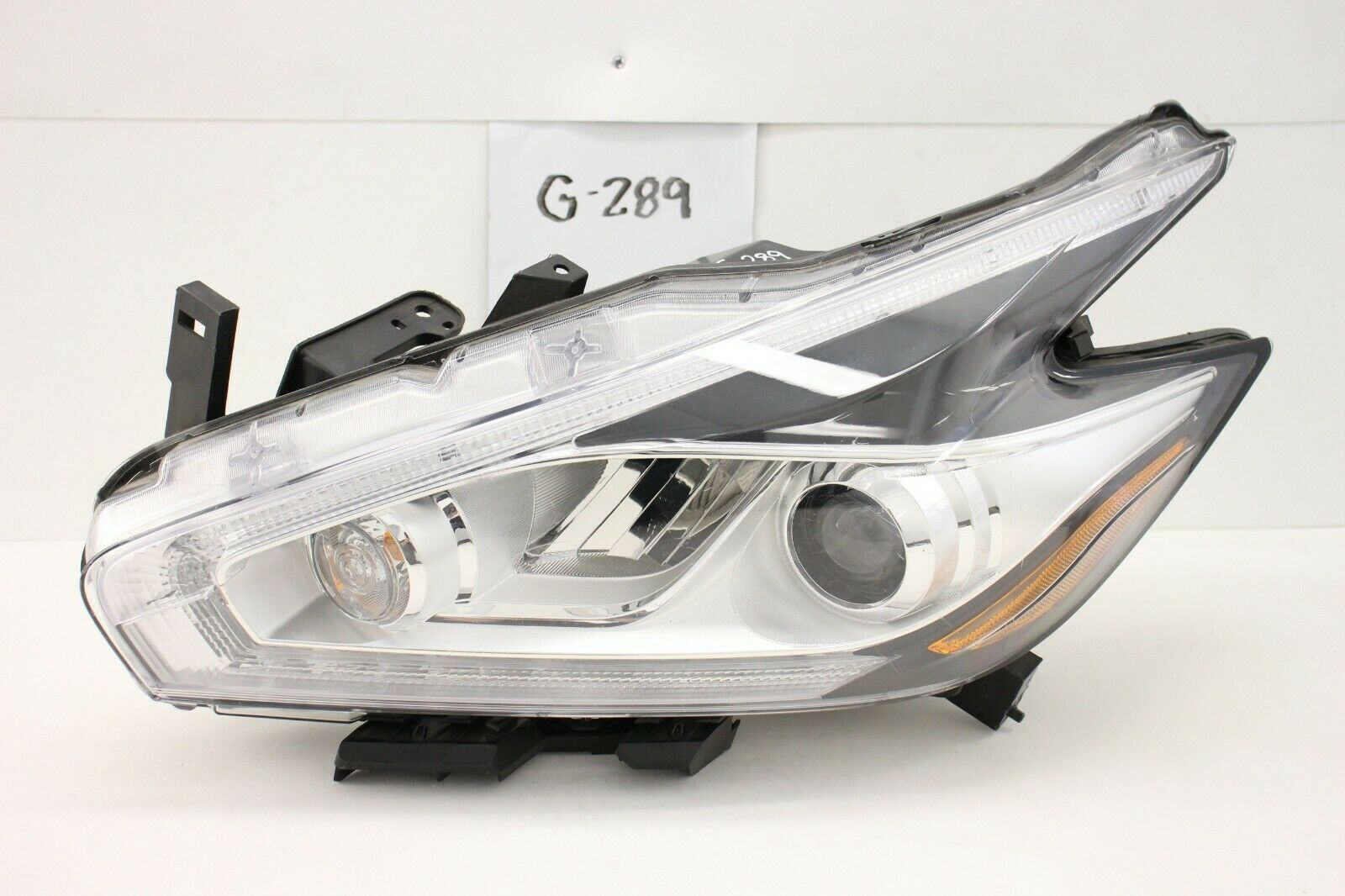 Primary image for OEM HEADLIGHT HEADLAMP HEAD LAMP LIGHT LED 15 16 17 18 NISSAN MURANO HID scratch