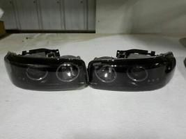 2004 Gmc Yukon Headlight Left - $94.05