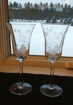 "2 TOSCANY TOY 10 Etched Wine Stems 7-1/2"" Set Of Two - $12.95"