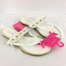 Isaac Mizrahi Womens Sandals Thong Slides Faux Leather Floral Applique White 6 - $24.18